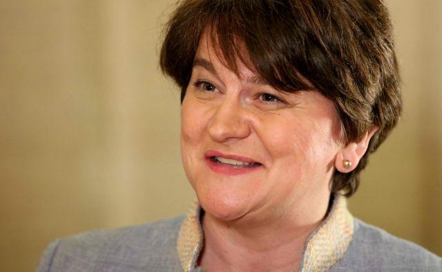 Polavtonomna severnoirska vlada je 9. januarja 2017 razpadla, potem ko je iz nje izstopil Sinn Fein, ker Adele Foster, ki je bila že takrat severnoirska premierka, ni hotela odstopiti. FOTO: Paul Faith/AFP