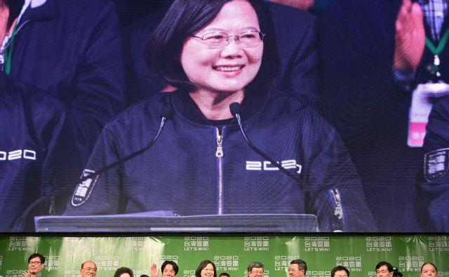 Tsai Ing-wen so zmago zaradi protikitajskega razpoloženja v tajvanski javnosti napovedovale že volilne ankete. FOTO: Sam Yeh/AFP