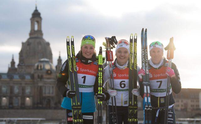 Med junakinjami zanimive tekme v Dresdnu je bila tudi Anamarija Lampič (prva z leve). Ob njej sta še zmagovalka Linn Svahn (C) in tretjteuvrščena Maja Dahlqvist. FOTO: AFP