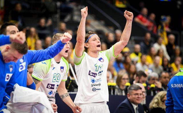 Slovenski rokometaši so se veselili zaslužene zmage nad Švedsko. FOTO: kolektiff