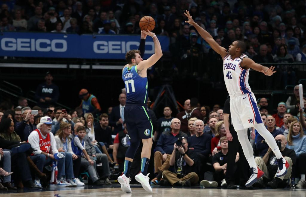 Dallas z Dončićem do zmage nad Philadelphio