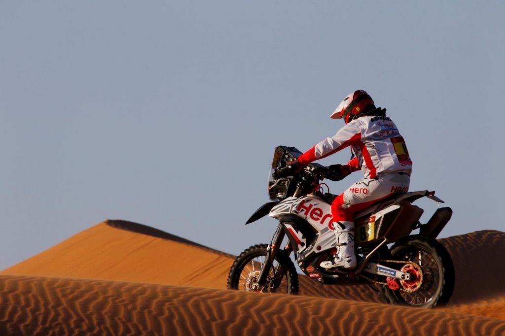 Med sedmo etapo preminil portugalski dirkač