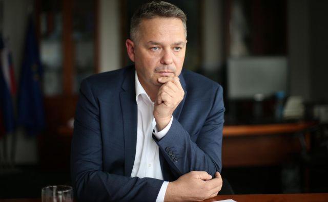 Novi generalni direktor finančne uprave Peter Jenko bi moral razmisliti v kakšni vlogi so davkoplačevalci. Foto: Jure Eržen/delo