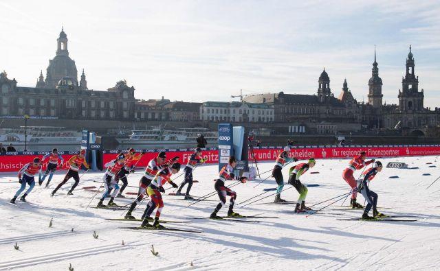 Karavana smučarskega teka je ob koncu tedna uživala na tekmi tik ob zgodovinskem središču Dresdna. FOTO: AFP