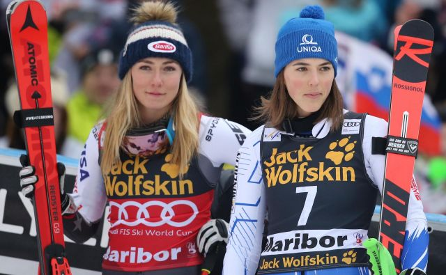 Slalomski dvoboj med Mikaelo Shiffrin in Petro Vlhovo bo še zanimiv. FOTO: Tomi Lombar/Delo