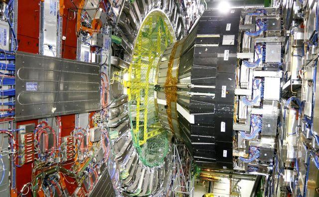 Miha Nemevšek raziskuje mehanizme delovanja narave na najbolj osnovni ravni; tudi s pomočjo trkalnika CERN.