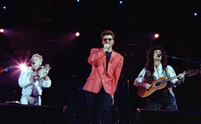 Somebody to Love, Ljubiti nekoga: George Michael s Queeni na koncertu, posvečenemu Freddieju Mercuryju. FOTO: Reuters