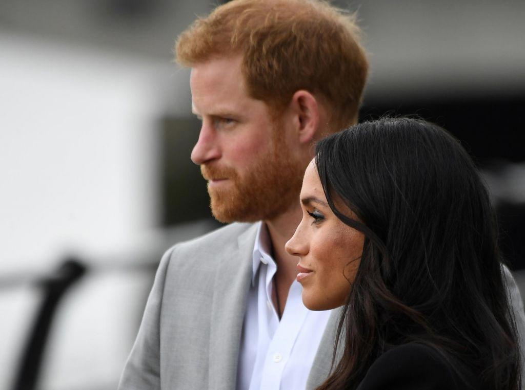 FOTO:Princ Harry in Meghan sta zamajala kraljevino