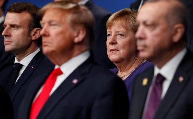 Francoski predsednik Emmanuel Macron, ameriški predsednik Donald Trump in nemška kanclerka Angela Merkel med nedavnim vrhom zveze Nato v Londonu. Foto: Peter Nicholls/Reuters