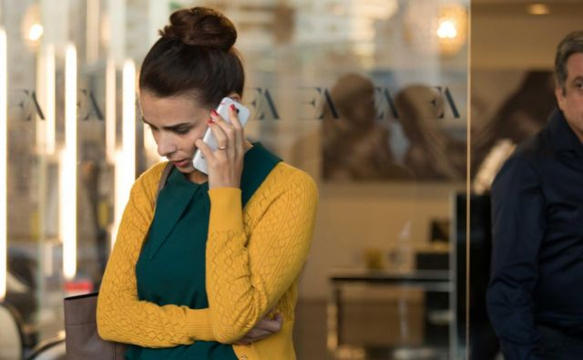 Working Woman / Isha Ovedet - Zaposlena ženska Foto Tvs