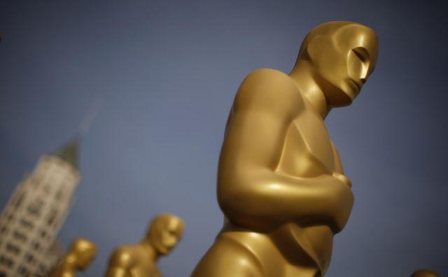 Tako v splošni mantri po večji (spolni) raznolikosti med nominiranci za najprestižnejše nagrade ni toliko pomembna raznolikost pred kamero, kot tista za njo, je v nedavnem intervjuju za <em>BBC </em>izjavila ugandska režiserka Kemiyondo »Kemi« Coutinho.<strong> </strong>FOTO: Lucy Nicholson/Reuters