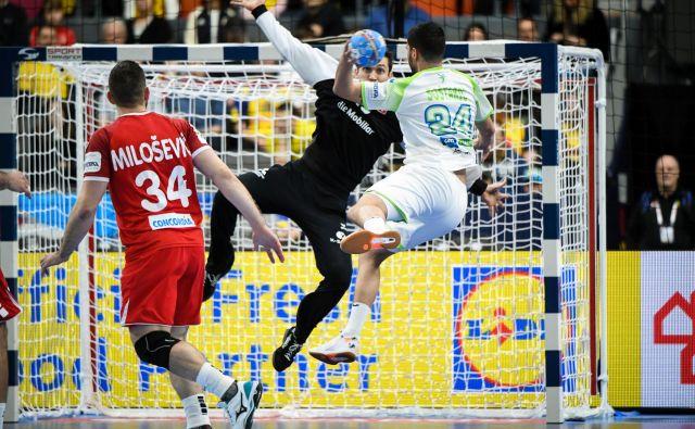 Razigrani slovenski rokometaši, med katerimi je bil tudi debitant Mario Šoštarić, so se od Gotebörga poslovili s tretjo zmago. FOTO: Kolektiff