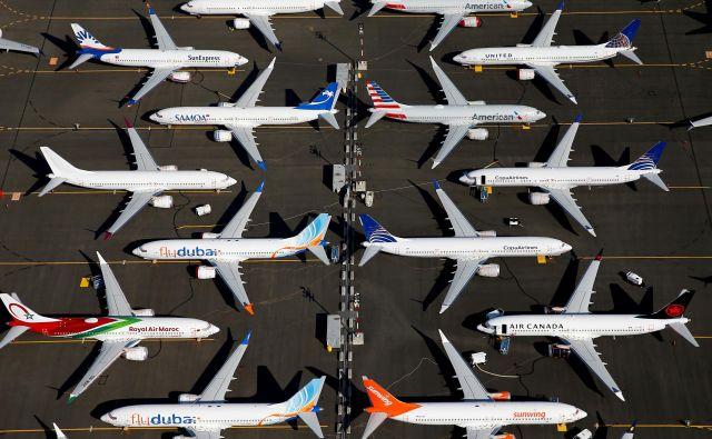 Boeing bo lansko poslovanje predstavil 29. januarja. Prihodki letalskega velikana so v prvih treh četrtletjih zdrsnili za petino, pri čemer so se prihodki od prodaje komercialnih letal zmanjšali za 40 odstotkov.<br /> Foto Reuters