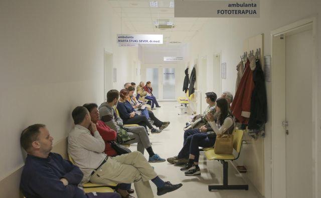 Bo zdravnikom uspelo izprazniti čakalnice? FOTO: Roman Š�ipić/Delo