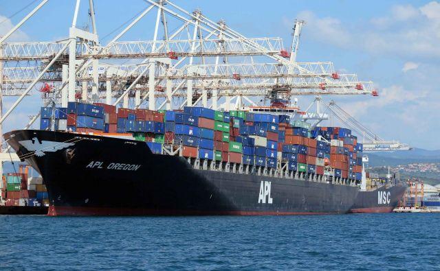 Pretovor v Luki Koper se je lani opazno zmanjšal, saj so pretovorili le 22,79 milijona ton blaga. FOTO: Igor Mali