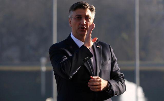 Poraz Kolinde Grabar Kitarovićeve je odprl prostor za nove napade nezadovoljnih članov HDZ na Andreja Plenkovića. FOTO: Antonio Bronić/Reuters