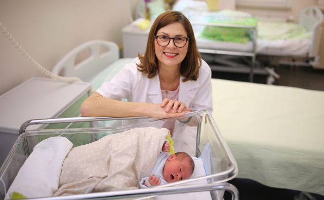 »Trenutno najbolj uživam v kliničnem delu, da se ženskam lahko posvečam zelo individiualno, od začetka nosečnosti do poroda,« pravi Nataša Tul Mandić.