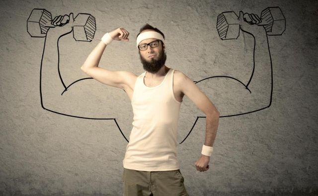 Če samo dodatni vnos kalorij ne bo dovolj, dodajte še trening moči, da zgradite večjo mišično maso. Foto: Shutterstock