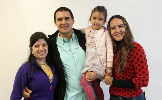 Družina Hočevar upa na lepšo prihodnost v Sloveniji. Čim prej se hočejo naučiti slovensko in najti službo. Foto Mavric Pivk