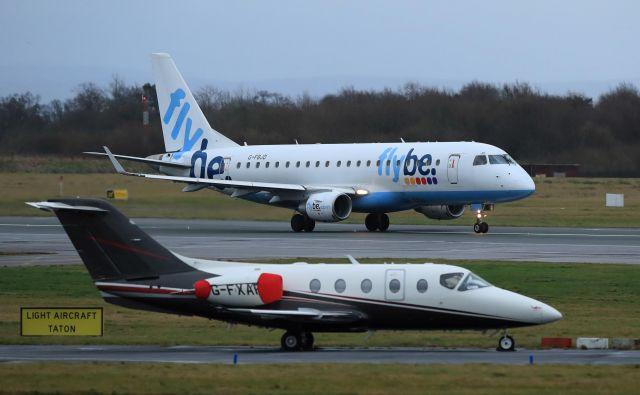 Britansko letalsko družbo, ki je v težavah že več let, zdaj skupaj rešujejo kabinet premiera Borisa Johnsona in konzorcij lastnikov. Foto Reuters