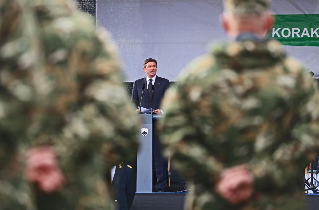 Pahor podpira misijo v Iraku in podpira umik iz Iraka
