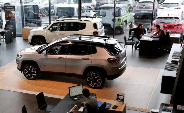 Avtomobili so se v Evropi in Sloveniji lani solidno prodajali, še posebno športni terenci. Foto Reuters