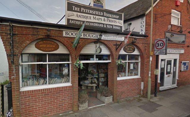 Knjigarna, ki je zaslovela in si popravila prodajo zaradi enega damega tvita. FOTO: Petersfield Bookshop