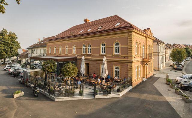 Zunanjost objekta so investitorji obnovili po smernicah zavoda za varstvo kulturne dediščine. Fotografije arhiv Vile Pohorje