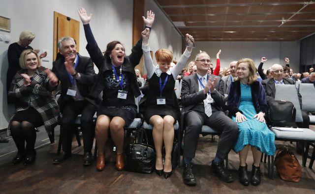 Pivčevo je podprlo 143 delegatov, Erjavec je dobil 80 glasov. Borut Stražišar je prepričal osem delegatov. Foto Leon Vidic/delo