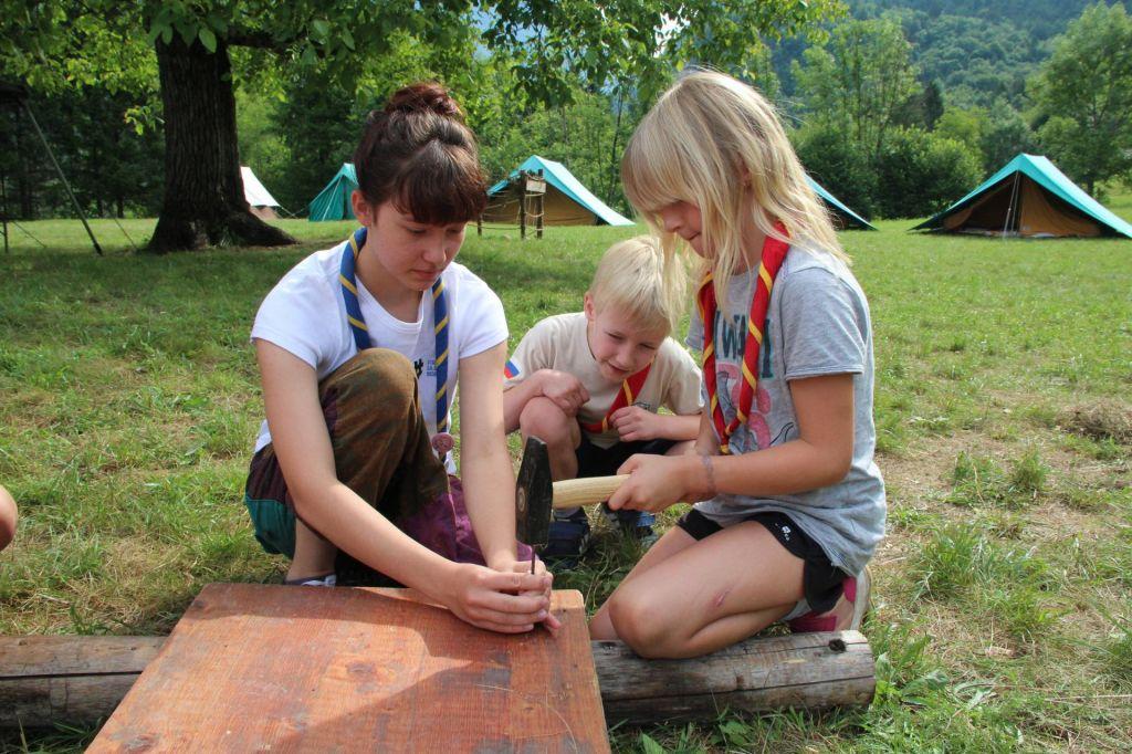 FOTO:Aragonitni ježki uspešni na evropskem razpisu:Taborništvo je šola za življenje