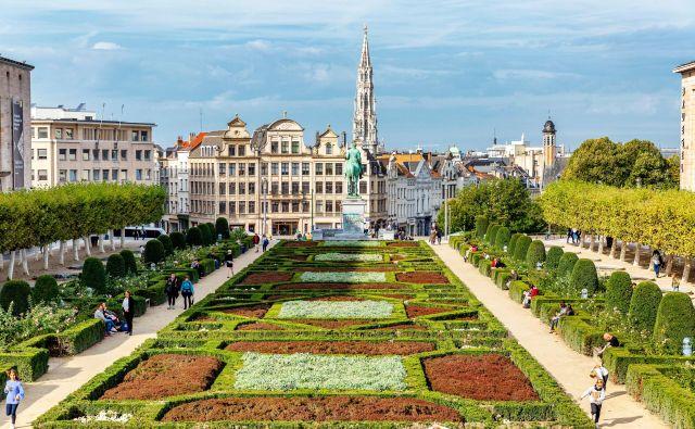 Po nekem izračunu v povprečju voznik v Bruslju v zastojih izgubi 195 ur na leto, po čemer je mesto med najslabšimi Evropi. FOTO: Shutterstock