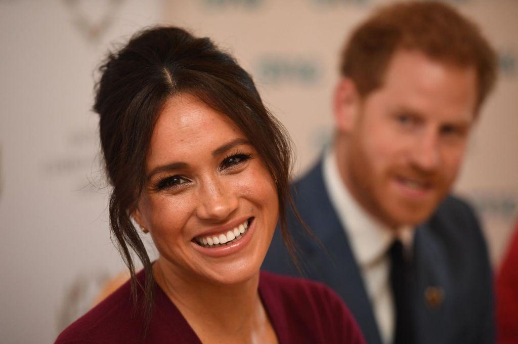 Harry in Meghan ne bosta več uporabljala nazivov britanskega dvora