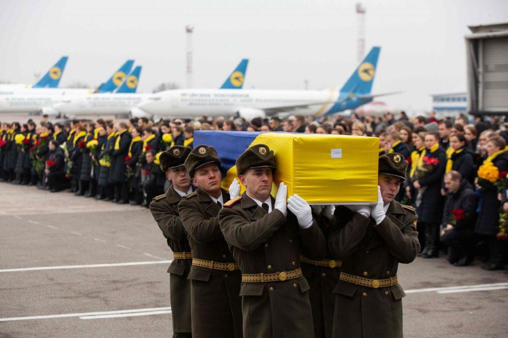 Iran črnih skrinjic vendarle ne bo predal Ukrajini