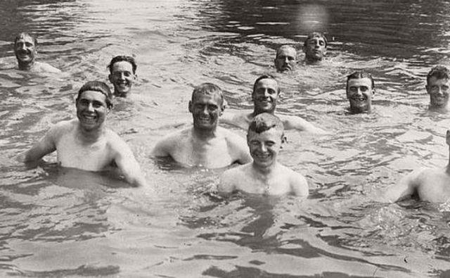 Danes lahko na plavanje gledamo kot na osnovno gibanje človeka v vodi, kot na enega najstarejših tekmovalnih športov in kot na eno najbolj priljubljenih športnorekreativnih dejavnosti ljudi.Foto: arhiv