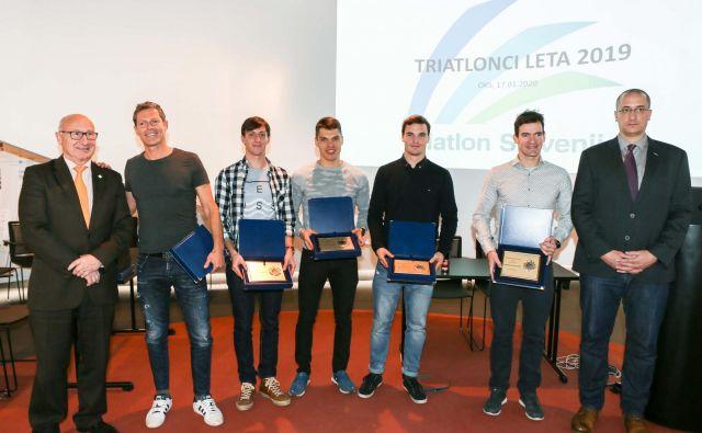 Nagrade so bile podeljene v več kategorijah, mladinci, mlajši člani in člani, glede na olimpijske in neolimpijske verzije triatlonov. Foto: S.J.