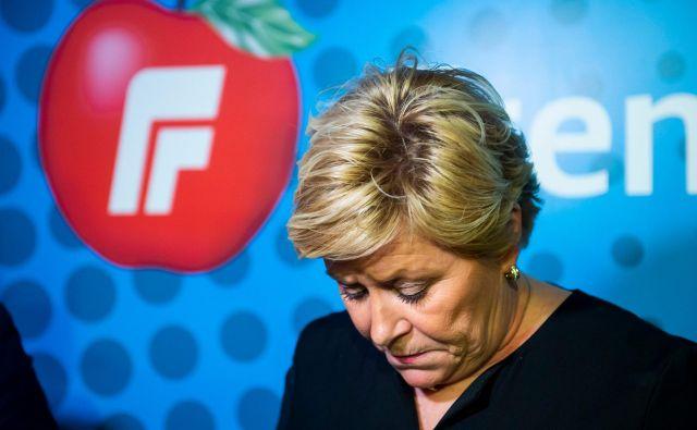 Voditeljica norveške Napredne stranke Siv Jensen na današnji tiskovni konferenci. FOTO: Fredrik Varfjell/AFP