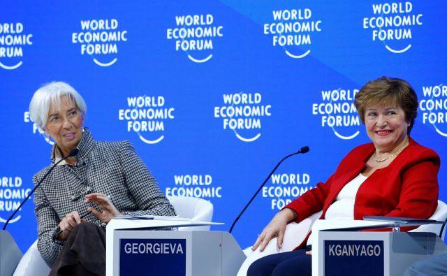 IMF, ki ga vodi Kristalina Georgieva (levo predsednica ECB Christine Lagarde), izpostavlja, da morajo države za višjo rast okrepiti multilateralno sodelovanje. FOTO: Arnd Wiegmann/Reuters
