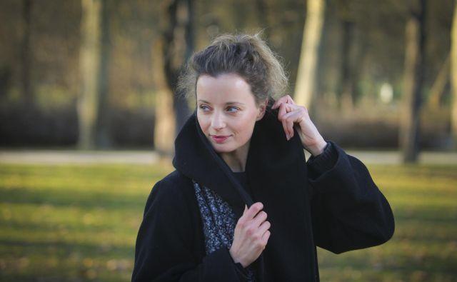 Ajda Smrekar bo v novi seriji TV Slovenija V imenu ljudstva mlada pravnica Nika. FOTO: Jože Suhadolnik