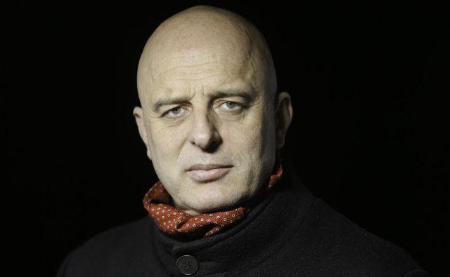 """Dragan Živadinov: """"V umetnosti tako uživam, da me ne morejo ponižati."""" Foto Jože Suhadolnik"""