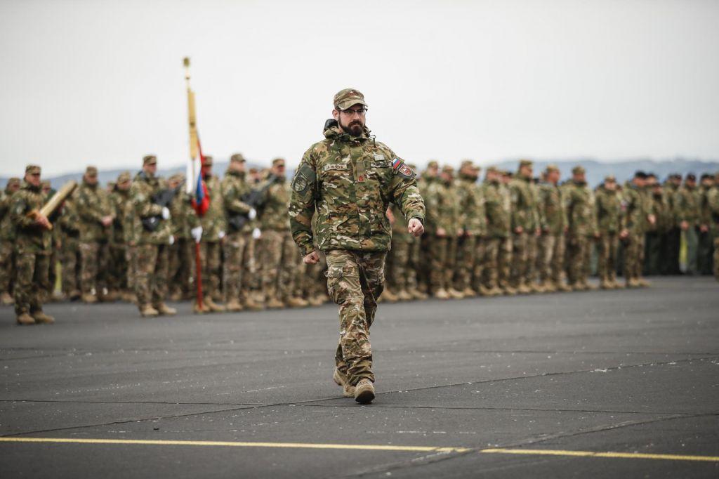 Bela knjiga slika prihodnji obris vojske