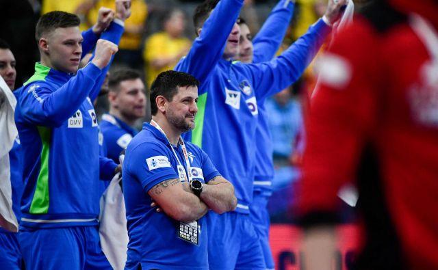 Slovenci bi si z zmago zagotovili pot v Stockholm. FOTO: AFP