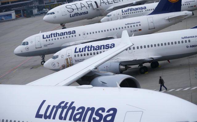 Podpisan je sporazum o vzpostavitvi letalske linije med Beogradom in Prištino. FOTO: Reuters
