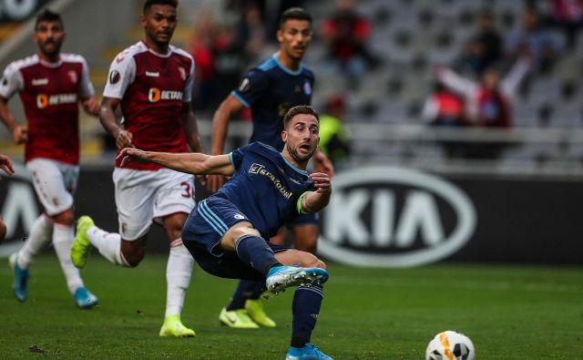 Prvi stik s portugalskim nogometom je Andraž Šporar imel v evropski ligi. Slovan se je meril z Brago. FOTO: AFP