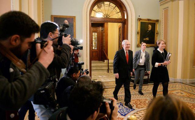 Voditelj republikanske večine v ameriškem senatu Mitch McConnell Foto Reuters
