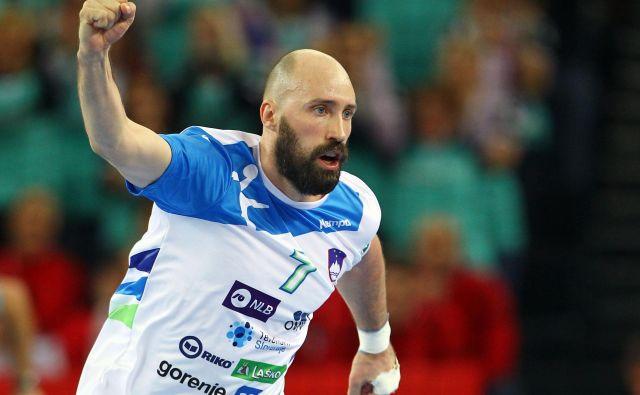 Vid Kavtičnik je na EP 2018 na Hrvaškem igral kljub šivom na levi dlani. FOTO: Reuters
