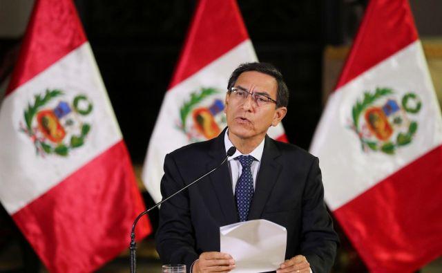 Predsednik Martín Vizcarra bo do konca mandata moral sklepati <em>ad hoc</em> dogovore s parlamentarnimi strankami. FOTO: Reuters