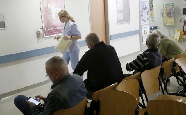 Čeprav po podatkih ZZZS 12 zdravnikov v Ljubljani ne dosega glavarinskih količnikov, nihče ne sprejema novih pacientov. Foto: Blaž Samec/Delo
