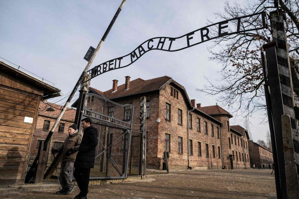 Auschwitz, spomin ni dovolj
