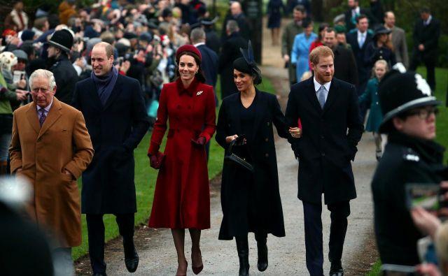 Princ Charles s sinovoma in snahama decembra 2018 na posestvu Sandringham. Foto Hannah Mckay/ Reuters