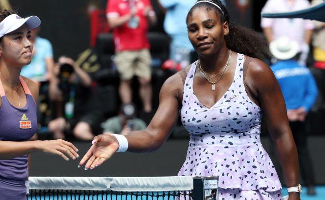 Prva dama ženskega tenisa Serena Williams je senzacionalno izpadla v tretjem krogu odprtega prvenstva Avstralije. FOTO: AFP